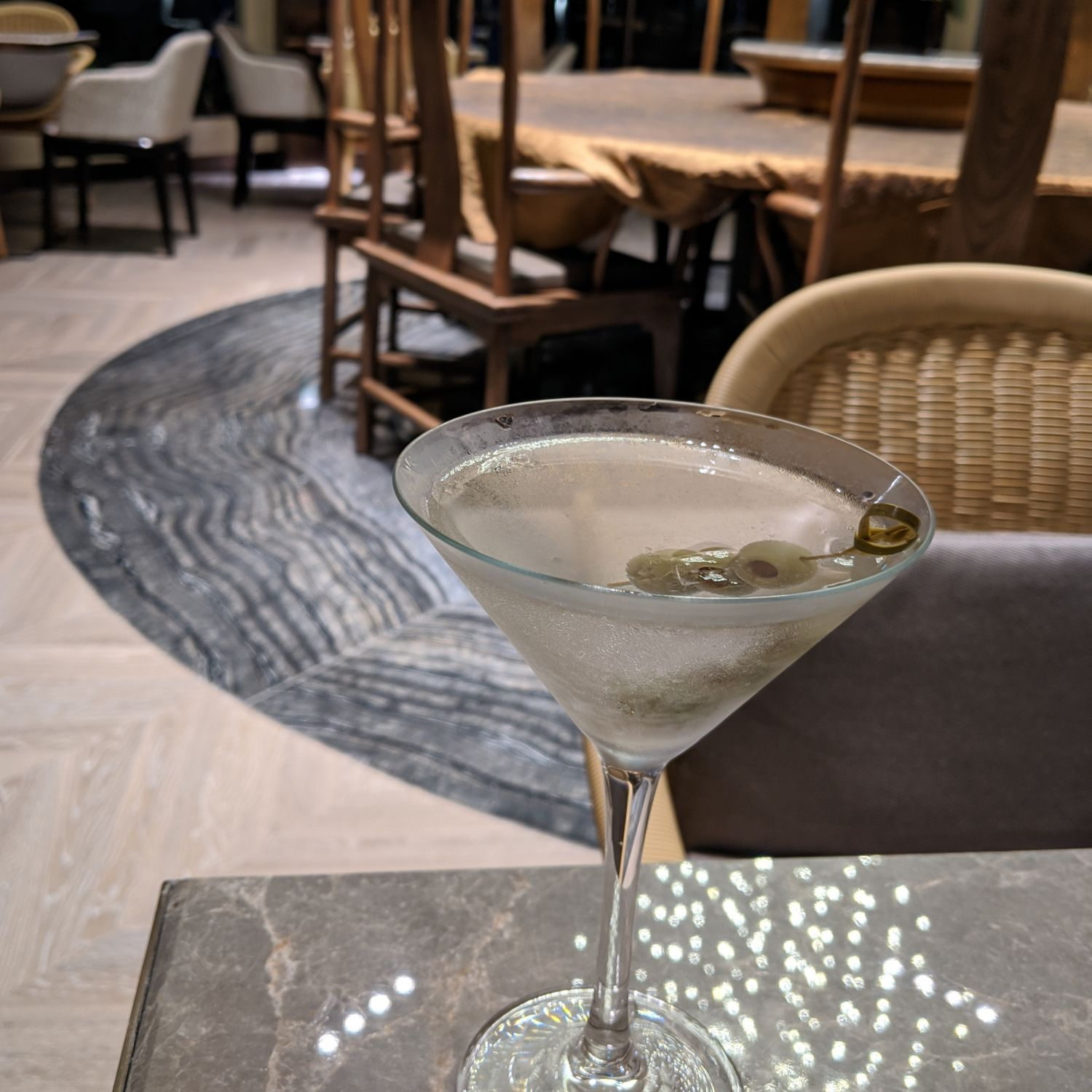 singapore marriott tang plaza hotel m club cocktails hors d'oeuvres & desserts gin martini