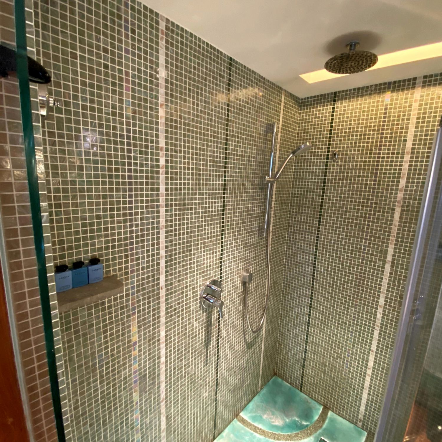 Sofitel Singapore Sentosa Resort & Spa luxury garden room bathroom