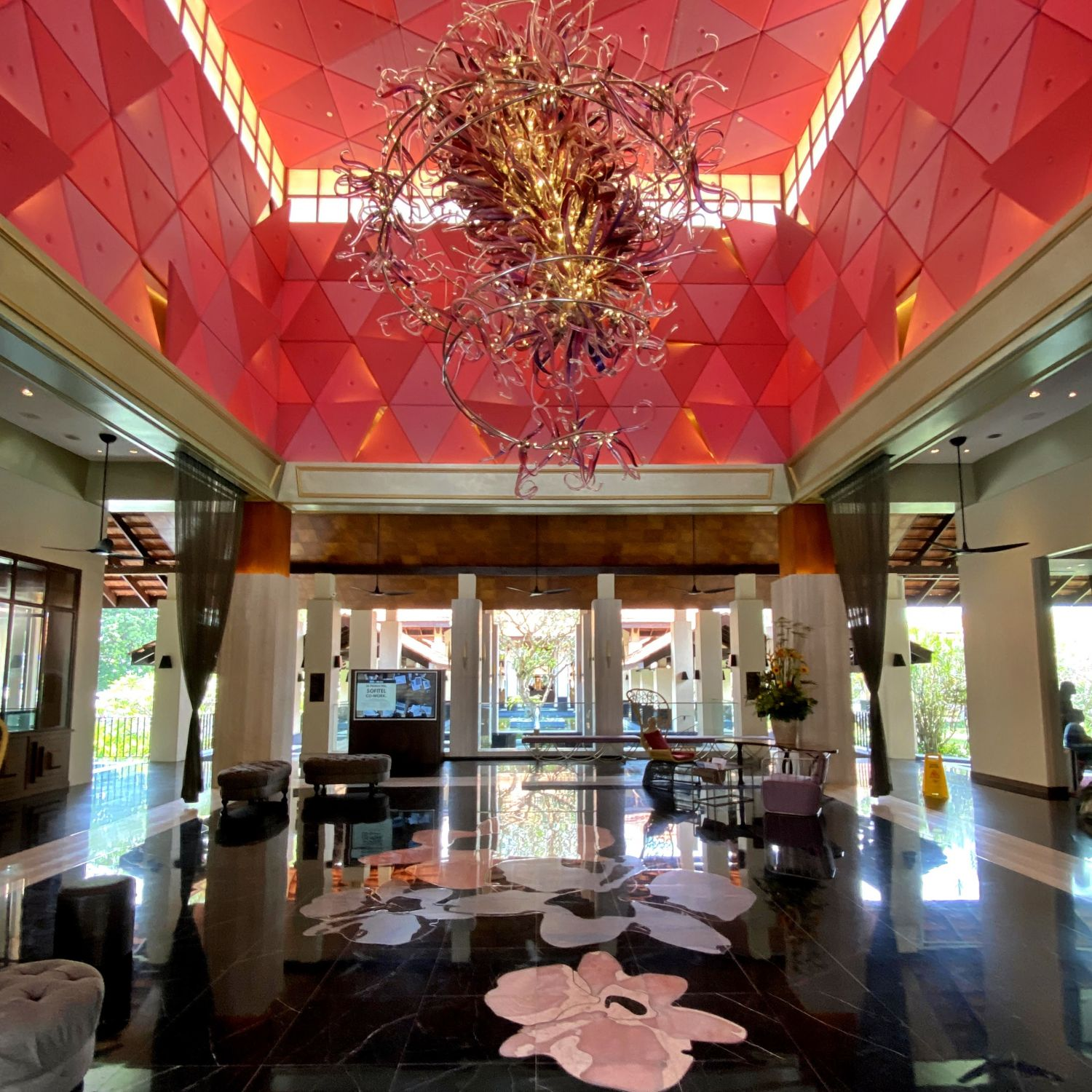 Sofitel Singapore Sentosa Resort & Spa lobby