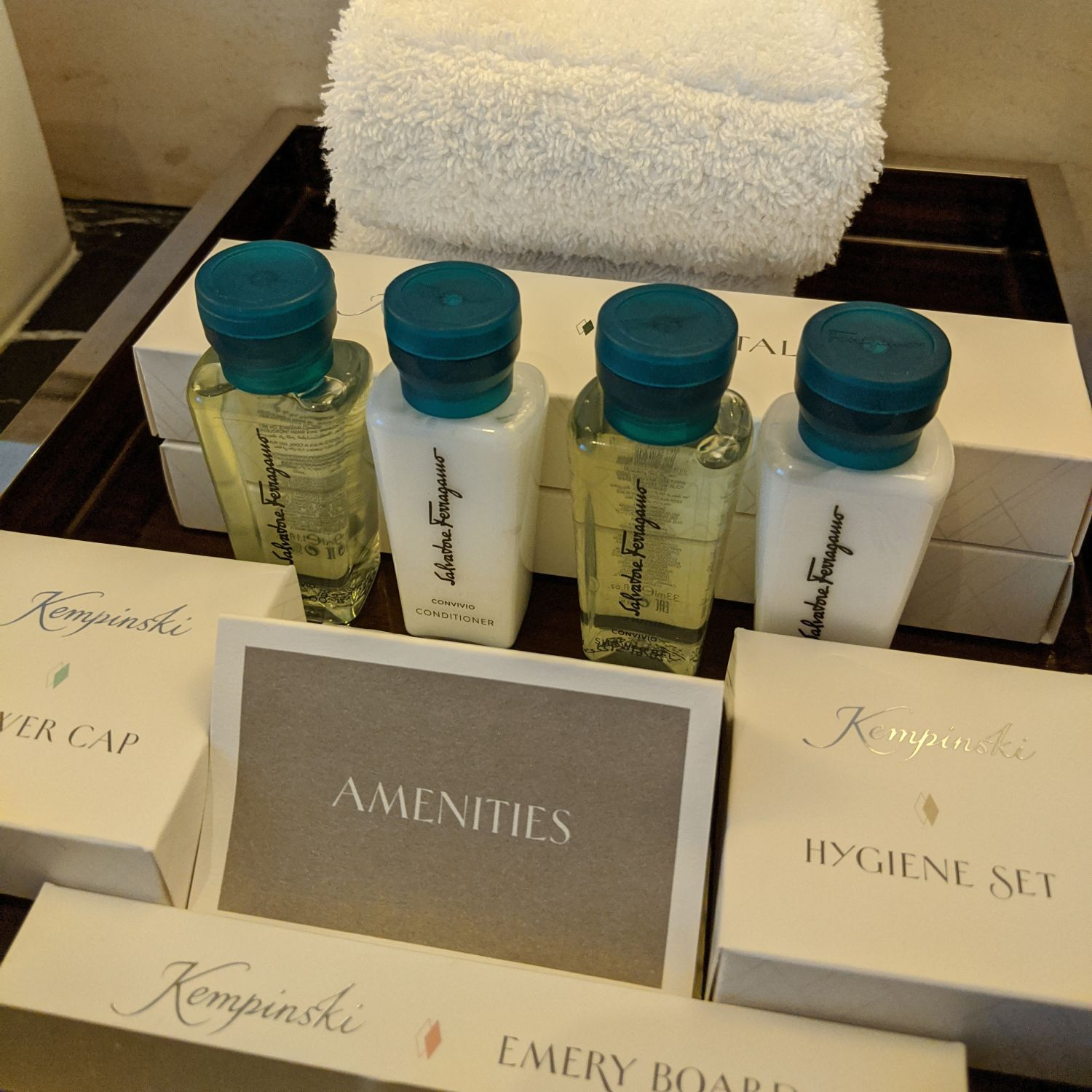 The Capitol Kempinski Hotel Singapore Grand Deluxe Room Bathroom Bathroom Amenities