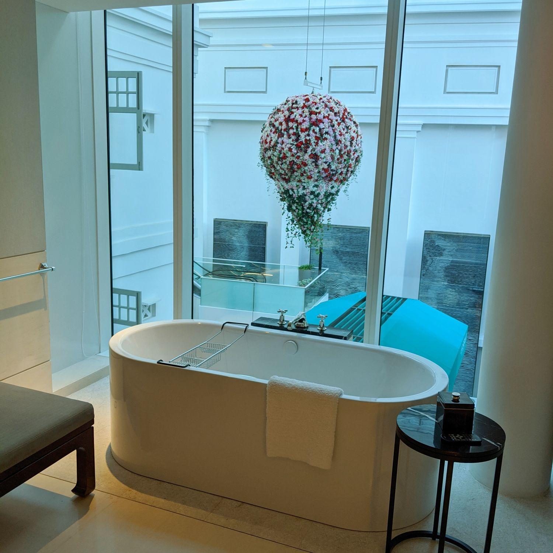 The Capitol Kempinski Hotel Singapore Grand Deluxe Room Bathroom