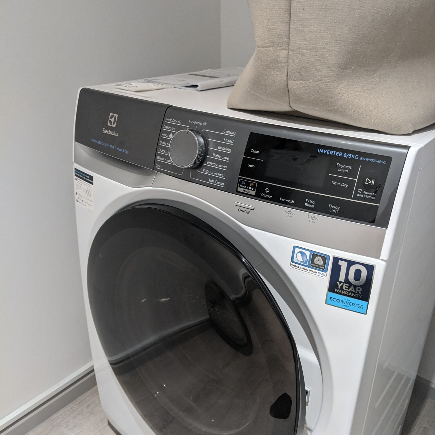 Winsland Serviced Suites by Lanson Place One-Bedroom Executive Suite Washer cum Dryer