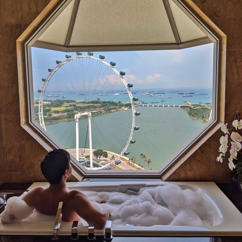 the ritz-carlton, millenia singapore club premier suite bathroom