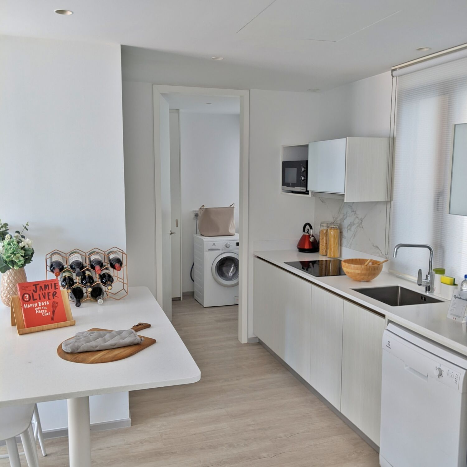 Winsland Serviced Suites by Lanson Place Two-Bedroom Executive Suite Kitchen