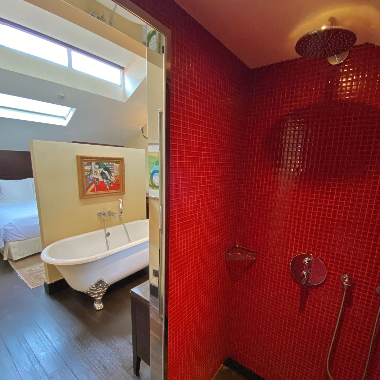 the vagabond club singapore a tribute portfolio hotel vagabond club suite bathroom