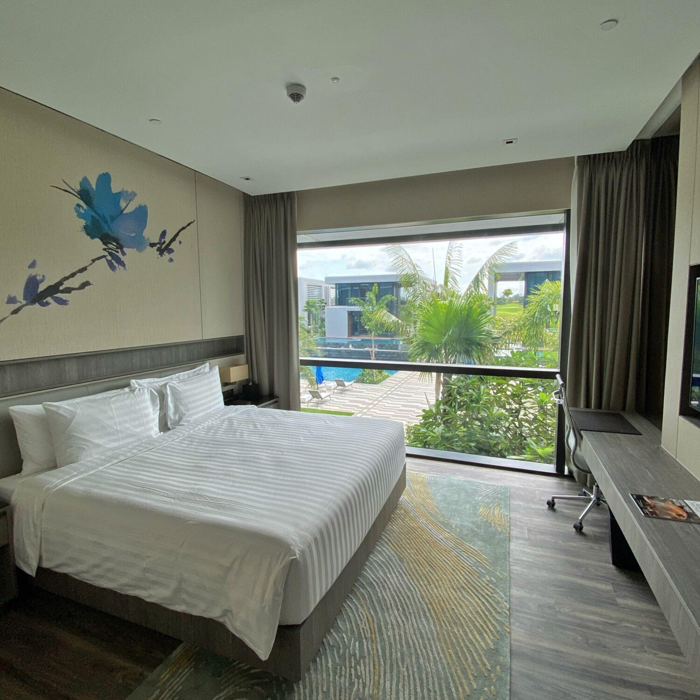 Dusit Thani Laguna Singapore Deluxe Laguna Pool View