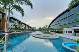 Dusit Thani Laguna Singapore Lap Pool