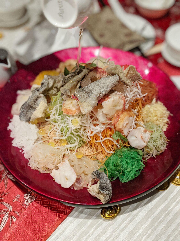 Singapore Marriott Tang Plaza Hotel Wan Hao Chinese Restaurant Boston Lobster & Caviar Yu Sheng with Crispy Fish Skin