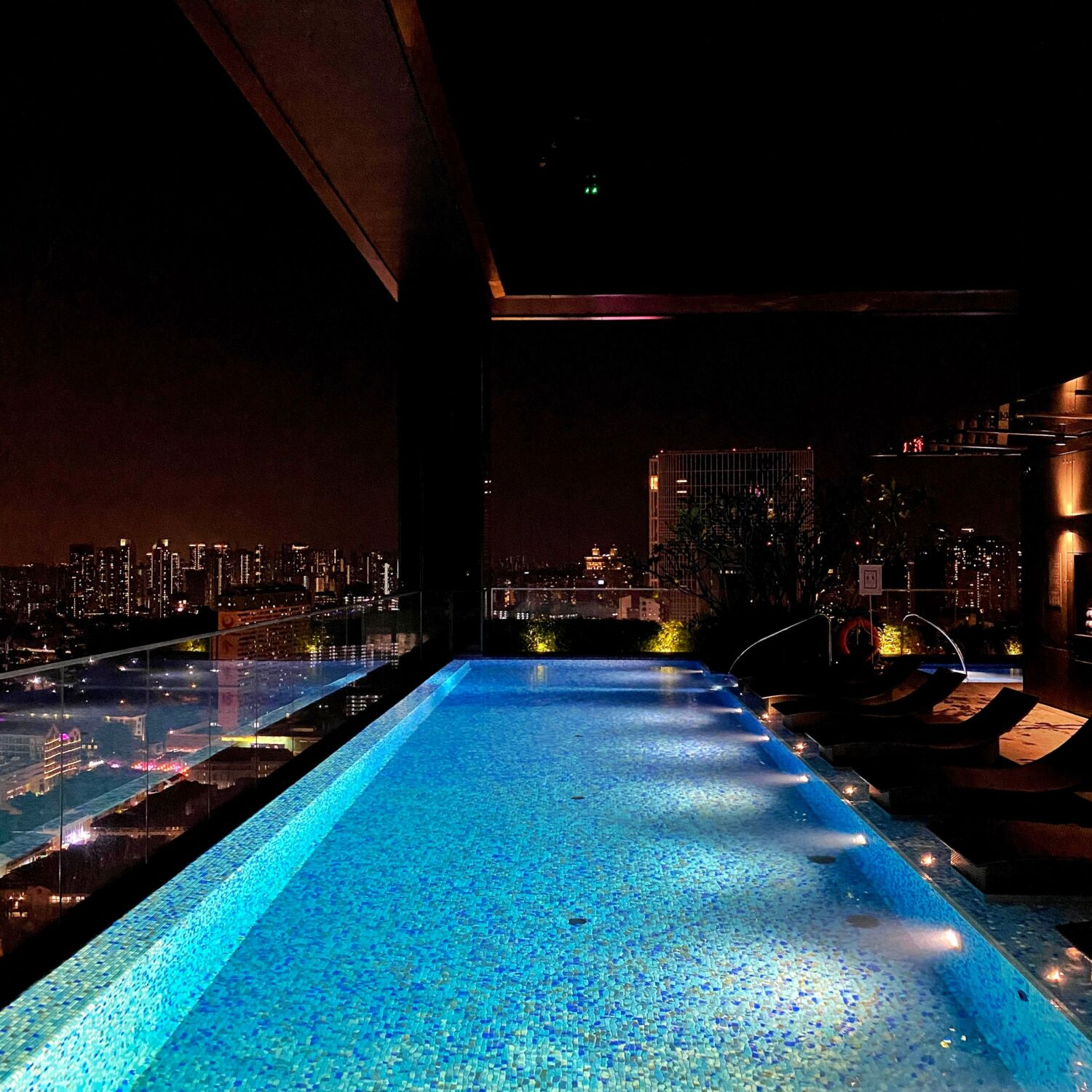 The Clan Singapore Sky Pool