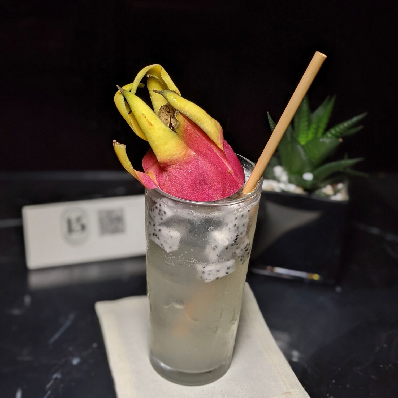 The Capitol Kempinski Hotel Singapore The Bar at 15 Stamford Dragonfruit Mojito