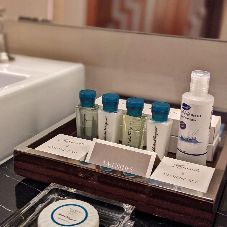 The Capitol Kempinski Hotel Singapore Classic Room Bathroom Bathroom Amenities