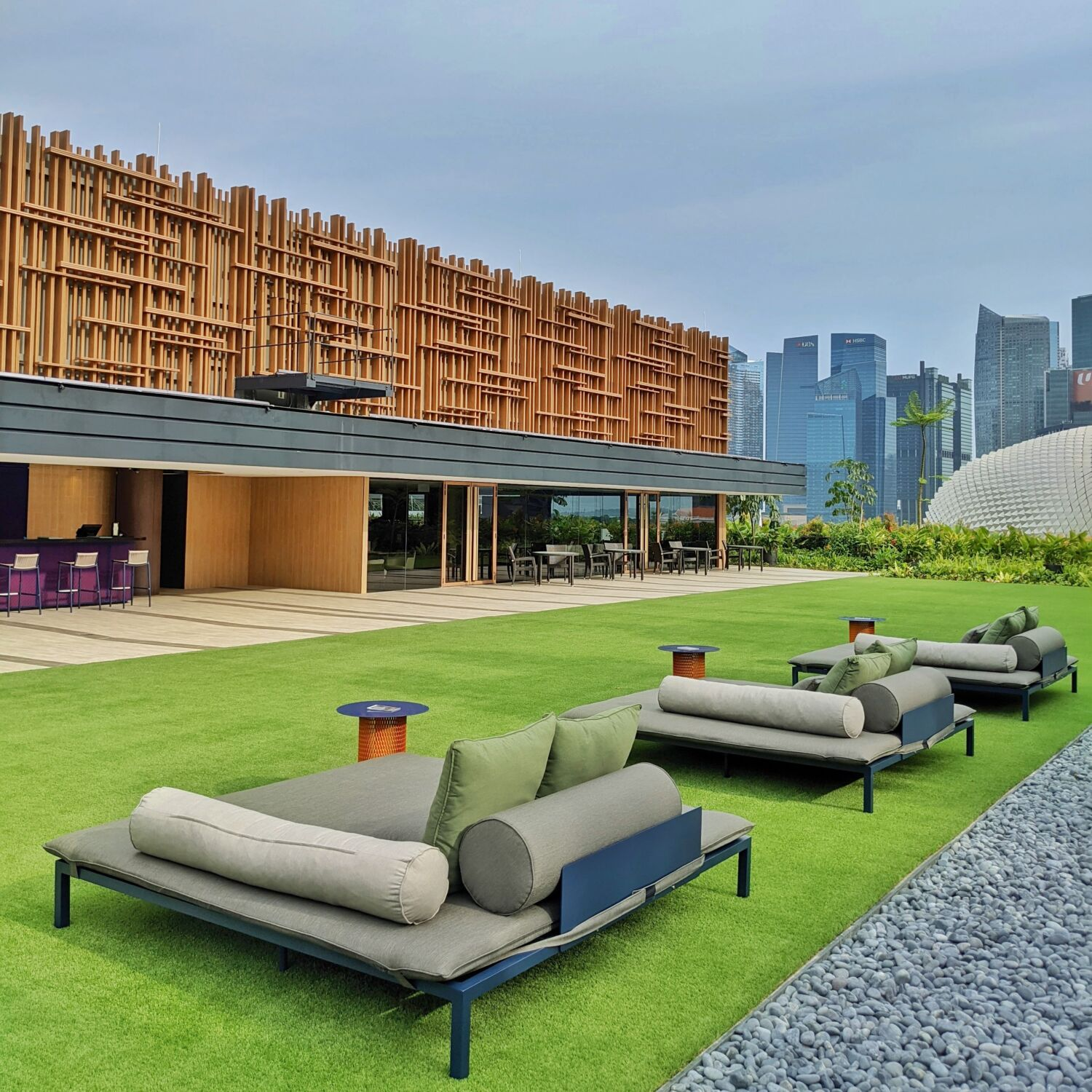 PARKROYAL COLLECTION Marina Bay, Singapore COLLECTION Club Lounge and Poolside Lawn